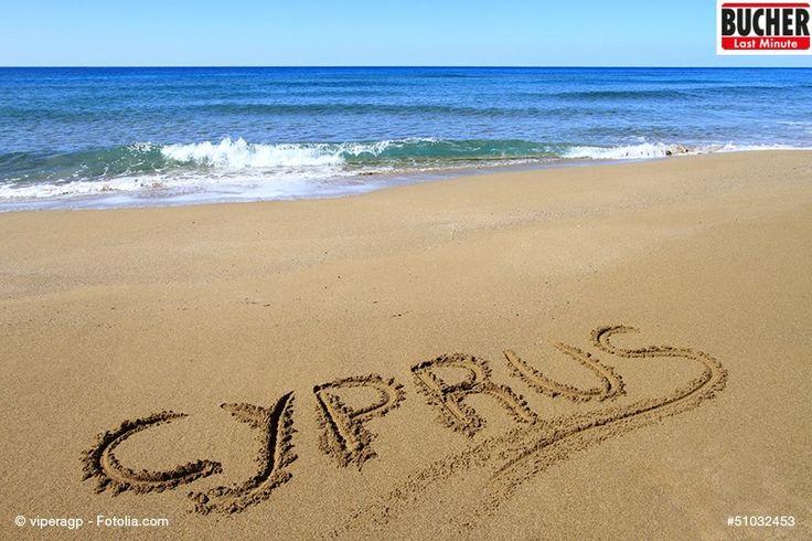 Und wo habt ihr euren Namen in den Sand geschrieben? ♥  #bucherreisen #urlaubsreif #strand #meer #zypern #lastminute