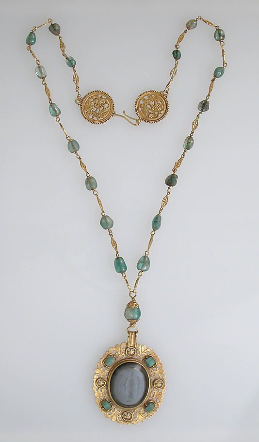 Necklace of gold, emeralds and agate intaglio. 6-8th century