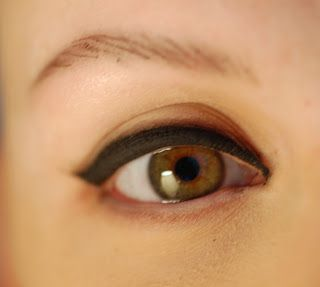 Great website with information on how to apply eyeliner when you have no lashes, how to tie headscarves and other information of interest to women who are going through chemotherapy