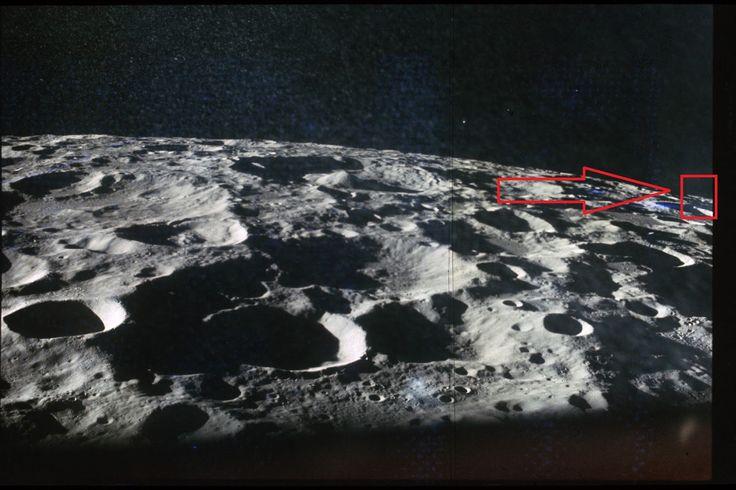 """Tradução: Google     """"Entusiastas de OVNIs online e teóricos da conspiração têm por muito tempo acusou a NASA de encobrir provas da ex..."""