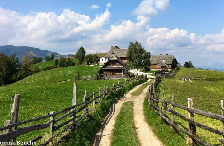 Hanul Balaban: probabil cea mai frumoasă priveliște din România