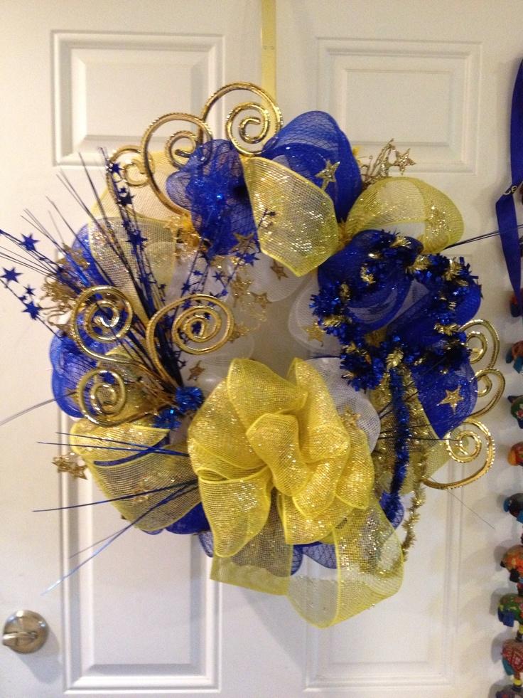 Mesh wreath for school
