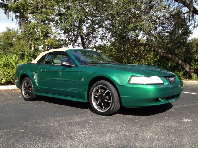 Used 2000 Ford Mustang Convertible for sale in Longwood, FL.