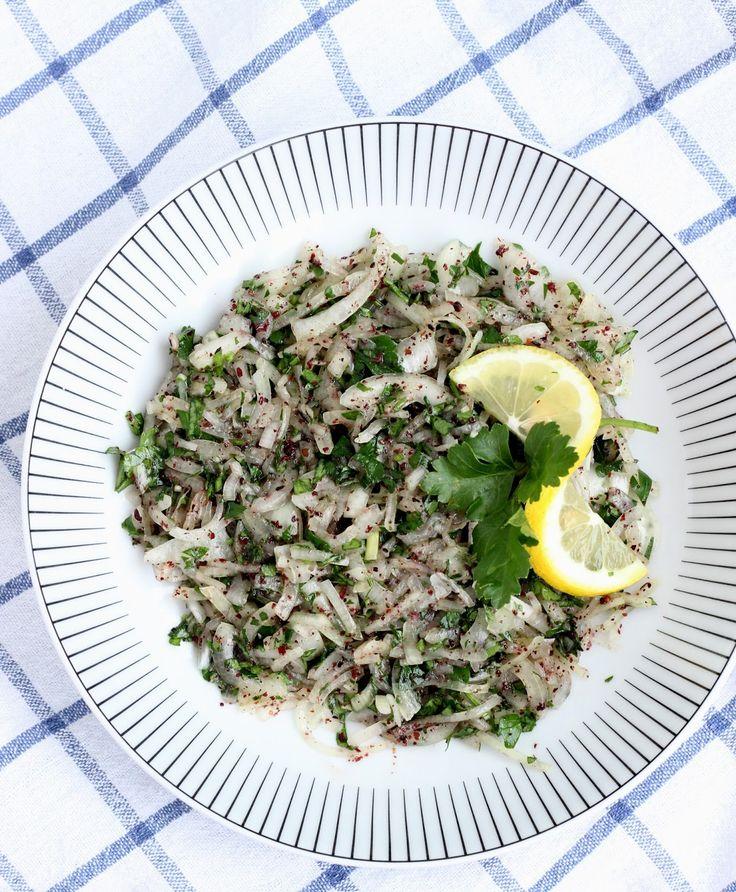 Sogan salatasi (Turecký cibuľový šalát so sumakom)