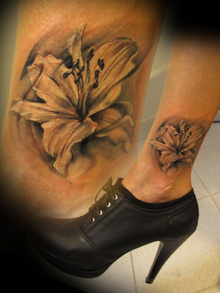 #tattoo #tattooartist #ink #inked #flower #blackandwhite #studio #bardo #studiobardo