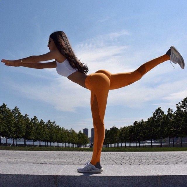 Yoga-Get Your Sexiest Body Ever Without - Comment avoir des fesses rebondies sans faire de squats ? - Get your sexiest body ever without,crunches,cardio,or ever setting foot in a gym