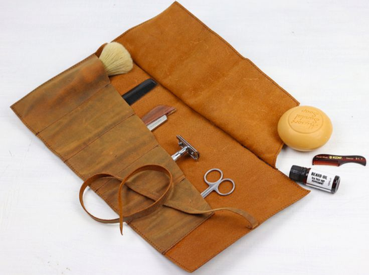 NEW for Christmas 2017. Our leather make up and grooming roll organiser to help you stay organised in a unique & stylish way. The roll opens to reveal five pockets #giftsformen #giftideas #leather #vintage
