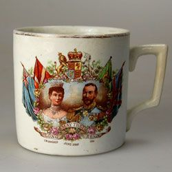 251 Best Royalty Souvenirs Images On Pinterest Queen