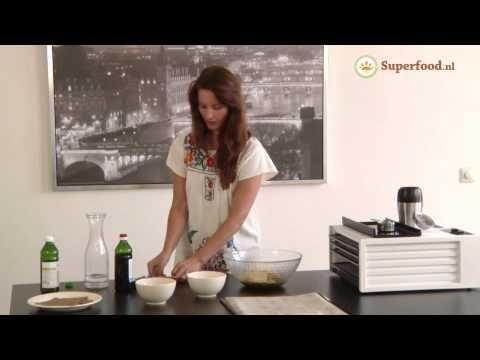 ▶ Brood vervanger recept - Zelf brood maken met Chia zaden - YouTube