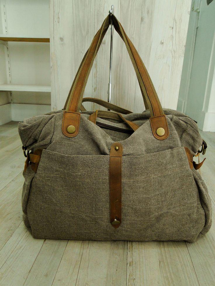 sac a main cabas en toile de lin origine Normandie teintée ardoise garniture croûte de cuir  accessoires laiton vieillis