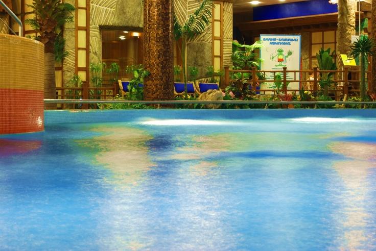 "Lagoon water park. Specifications: Depth of pool - 1,35 m, The temperature of the pool water ""Lagoon» - +30 ° C, The water temperature in the hot tub - +35 ° C #Russia, #Moscov/ Лагуна аквапарка. Технические характеристики: Глубина бассейна — 1,35 м, «Лагуны» — +30°С, Температура воды в джакузи — +35°С"