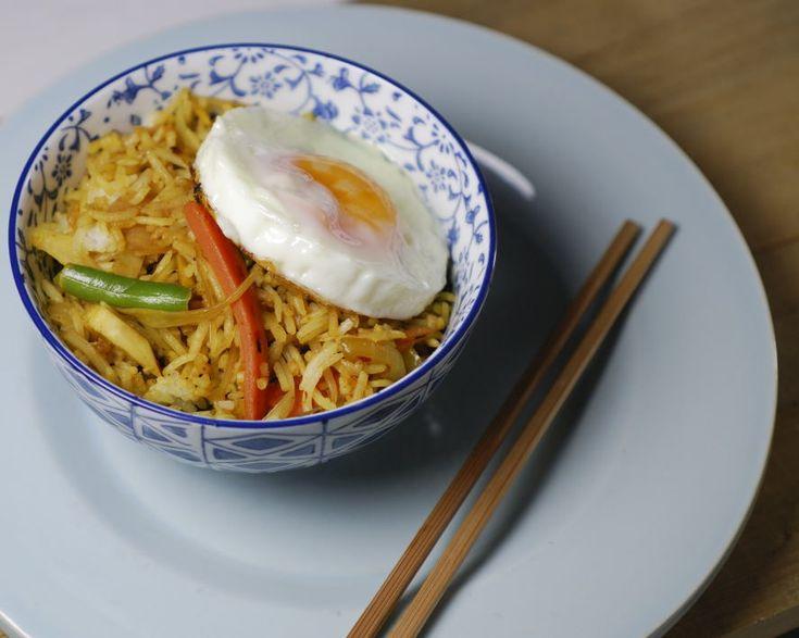Een recepten blog over koken voor de familie - lekker en gezond eten met jonge kinderen. Gebakken ei weglaten, eventueel vervangen door eiwit omelet.