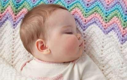 Lavori a maglia: copertine per neonati - Lavori a maglia: copertine per neonati