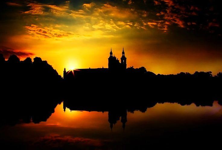 Wschod nad wisla krakow