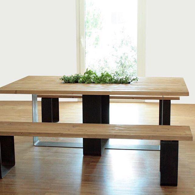 Vi piace il profumo della menta? Il Tavolo Coltivabile prevede una piccola coltivazione di piante aromatiche per inebriare gli ospiti a tavola di profumo e buon umore. Design | @sudmisura  #trackdesign #corten #acciaio #seduta