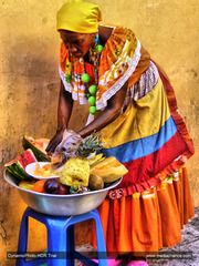 Panoramio - Photo of Palenquera vendiendo fruta fresca. (((Jose Daniel)))