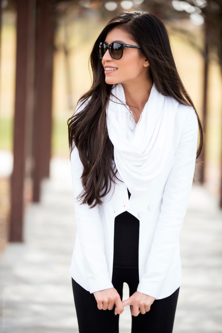 Black and white outfits are always stylish. Pair a nice summer blazer with a pair of black trousers - easy and chic.  C.Styling