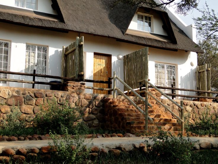 Accomodation at Mokoya Lodge
