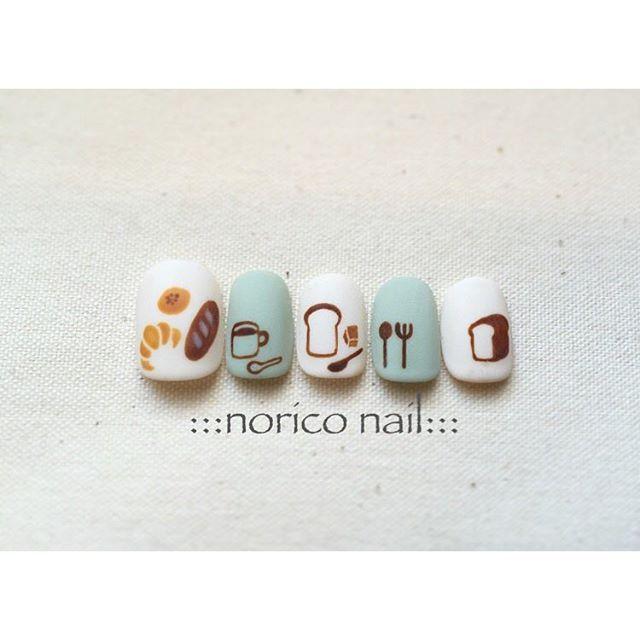 【北欧ネイル】ナチュラルかわいいデザインがたくさん♪大人カワイイ北欧ネイルのデザイン集♪の26枚目の画像   Jocee
