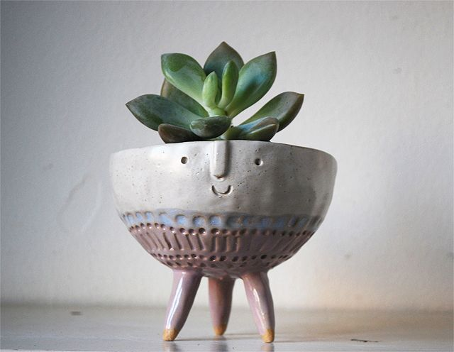 Atelier Stella Stella Baggott, of Atelier Stella, has updated her site with a slew of new goodies, which include her ever so charming and adorable planters and vases.