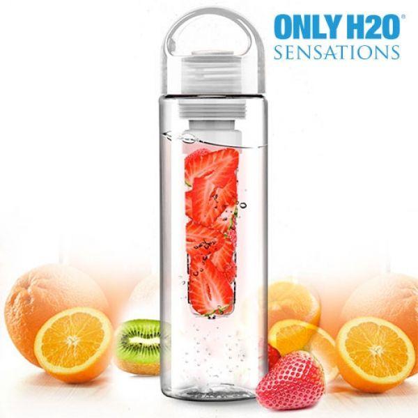 innovadora botella con filtro para infusiones Sensations! Cuenta con un filtro interno donde puedes añadir frutas, cítricos, hielo, etc., y aromatizar el agua u otras bebidas. Así que si te gusta lo natural y cuidar bien de tu salud, ¡ya sabes, esta práctica botella de la gama Only H2O es lo que necesitas! Botella reutilizable, resistente y duradera, fácil de transportar y limpiar.