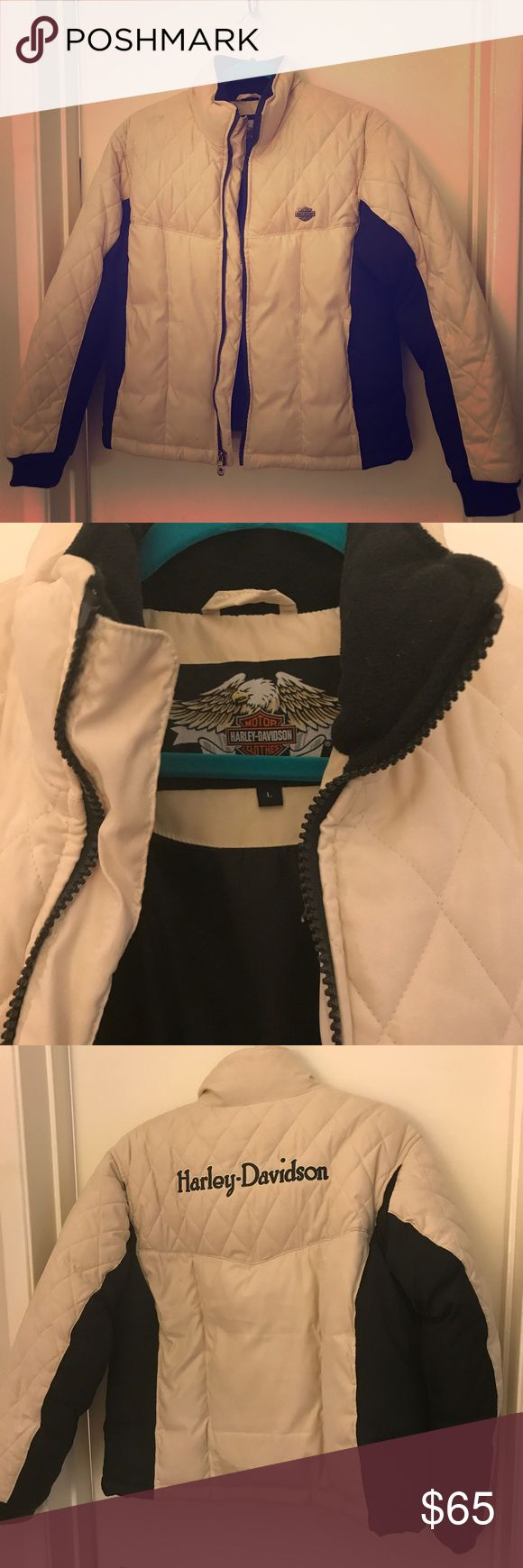 Original Harley-Davidson women's puffer coat! Keep warm on the slopes with this original Harley- Davidson puffer coat in beige and black! Comes with zipper and pocket details. Size large. Fits like a puffy dream!!! Price is negotiable. Harley-Davidson Jackets & Coats Puffers