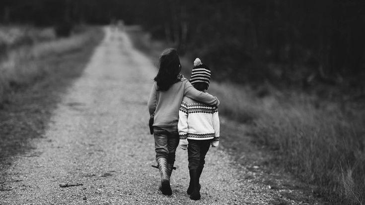 A veces, con el objetivo a corto plazo de que la pelea acabe pronto perdemos de vista el objetivo a largo plazo de enseñarles a resolver conflictos y fomentar la convivencia.