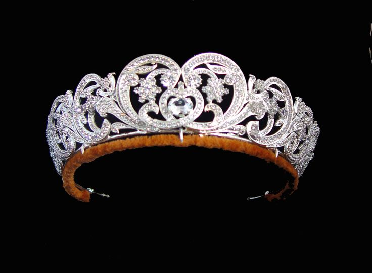 The Spencer Tiara. The central element was a gift from Lady Sarah Spencer to Cynthia, Viscountess Althorpe as a wedding present in 1919.