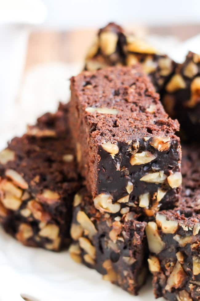 Slow Cooker Mexican Chocolate & Zucchini Cake. Use up that zucchini glut without turning on the oven.