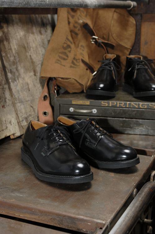 RED WING / POSTMAN OXFORD_持っていて間違いのない靴のひとつ