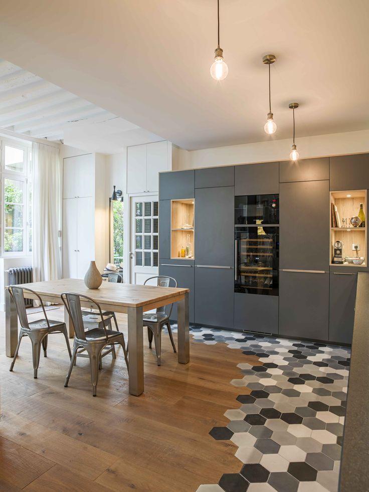 un appartement parisien r nov par une architecte. Black Bedroom Furniture Sets. Home Design Ideas