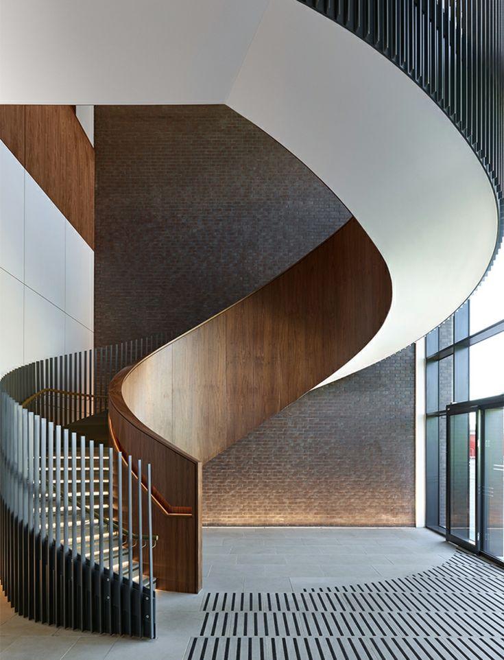 #wendeltreppe #interiordesign #holz #stahl #Gelän…