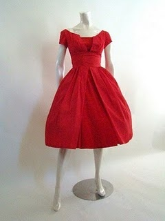 Red red red.: Red Vintage, Fashion, Style, Vintage Dresses, Dresses Vintage, Cute Dresses, Bride Maids Dresses, Barbie Dresses, Vintage Red Dresses