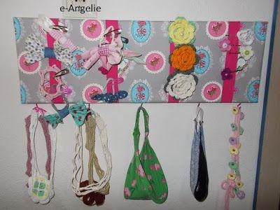 e-Angelie: Κορδέλες και κοσμήματα στη θέση τους...