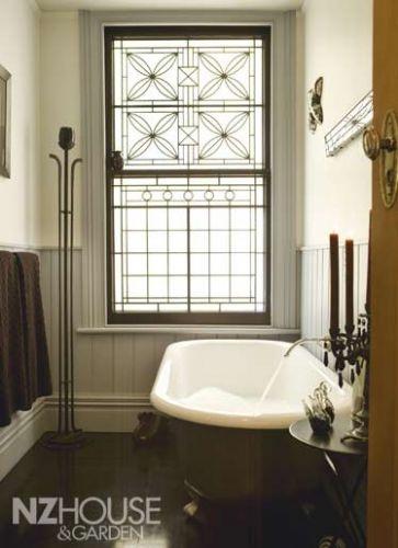 Chic bathroom; NZ House & Garden Image Gallery