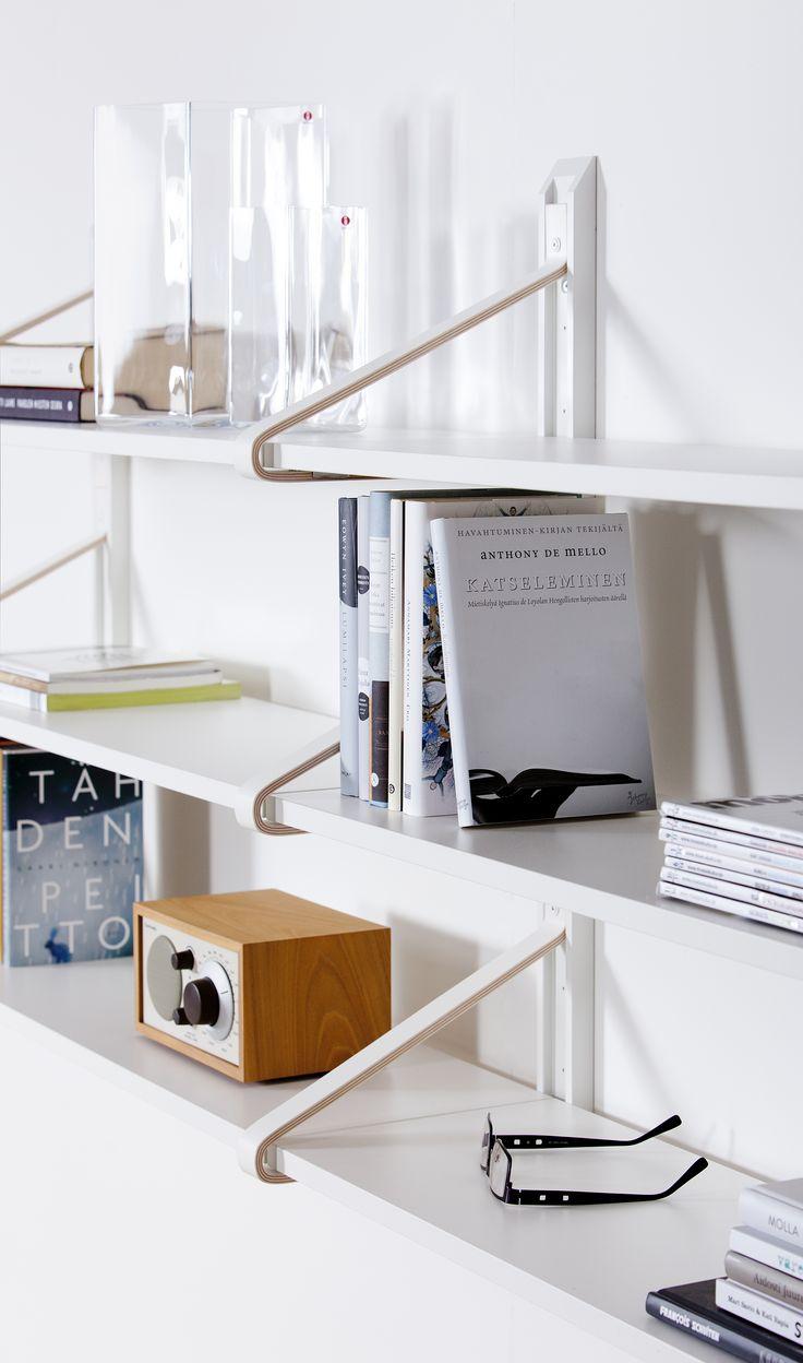 LINK - hyllystö on puinen, helposti muunneltava sekä erilaisiin sisustuksiin mukautuva monipuolinen sarja. Nurmelan valmistama LINK on ensi esittelyssä Suomessa, Habitaressa! #habitare2015 #tapioanttila #tapioanttilacollection #nurmela #furnituredesign  #finnishdesign #design #sisustus #messut #helsinki #messukeskus