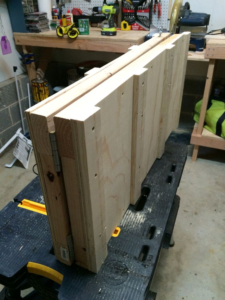 2/2 Here's the dog ramp folded for easy carry and storage.