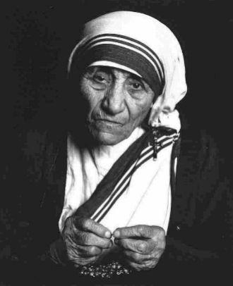....Gesù ha reso molto chiaro. Tutto quello che fate al più piccolo dei miei fratelli, l'avete fatto a me.   Madre Teresa di Calcutta