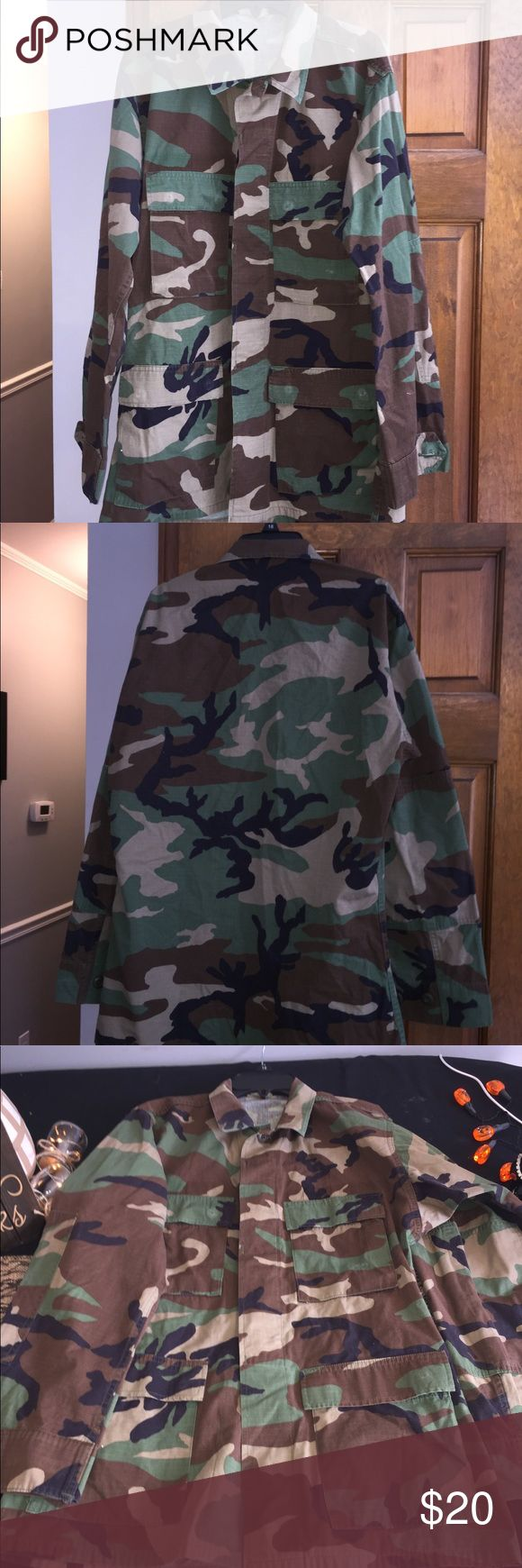 "Woodland Camo ASU Small Halloween Soldier Woodland Camo Army Service Uniform Shirt Size Small Regular. Height 67-71"" chest 33-37"". Shirts"