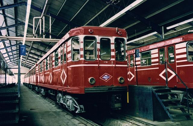 Madrid, Canillejas 01.05.1996 Metro de Madrid. Trains of 1000 series. (Photo scanned from an original paper). Metro de Madrid. Trenes de la serie 1000. (Foto escaneada de un original de papel). Flickr: Intercambio de fotos