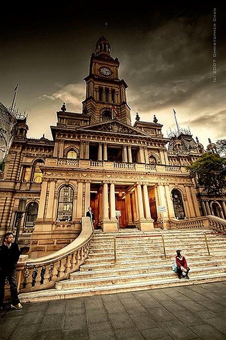 Sydney Town Hall     http://www.thesydneytraveler.com/2008/06/sydney-photo-friday-sydney-town-hall/