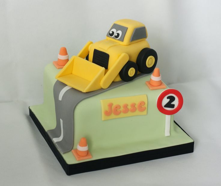 Digger cake - fondant road, traffic cones, sign. www.littlepartyboutique.co.uk www.facebook.com/TheLittlePartyBoutique