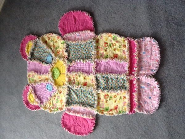 """36 Snuggly Free Rag Quilt Patterns   FaveQuilts.com (use buttons for eyes and add little sunflower, hearts, sun, etc. """"patches"""" on patches"""