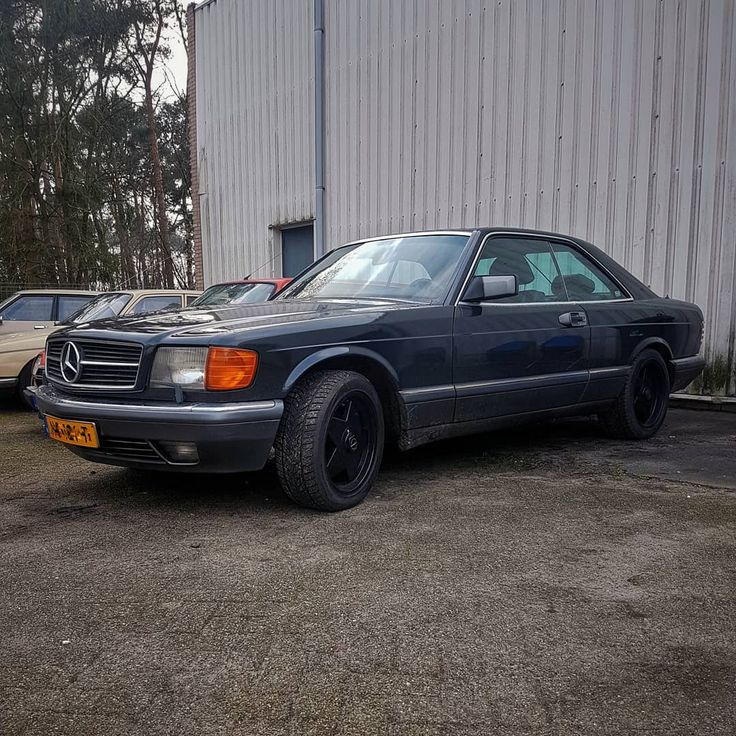 We got this 1991 Mercedes 500 Sec in for some rebuilding of the technical side of the car. After we are done with it it will drive like new again.  The car is abit to new for what we useally do but always up for a challange.