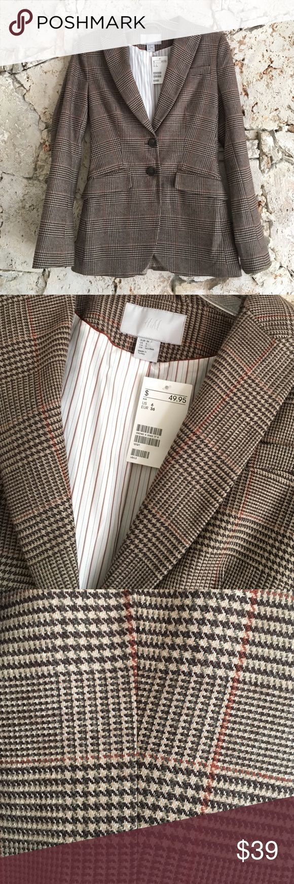 NWT H&M Blazer Houndstooth Brown Plaid Fitted 6 NWT H&M blazer, houndstooth/plaid shell, striped & polka dot lining, fully lined, notch collar, front darts, 2 front pockets with flaps, 2 tortoise shell buttons, lightly padded shoulders, long sleeves, back princess lines & vent. Wool blend, replacement buttons included, size 6, runs small. New with tags, never worn. H&M Jackets & Coats Blazers