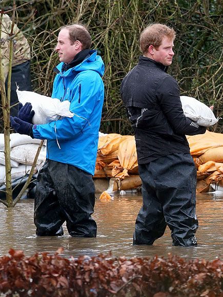 Star Tracks: Monday, February 17, 2014 | DOWN & DIRTY | Prince William and younger brother Prince Harry shed their royal garb for some wet pants and a sand bag to help with a flooded area around a school on Friday in Datchet, England.