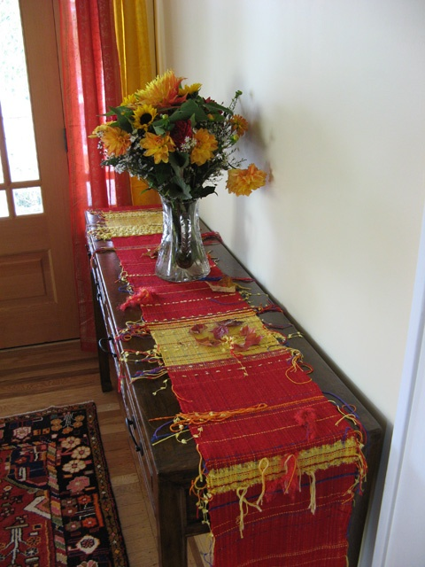saori weaving | Saori Weaving – A Table Runner | Weaving a Life