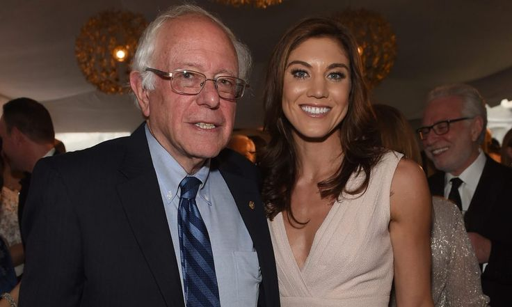 Hope Solo snapped a picture with Bernie Sanders at the WHCD