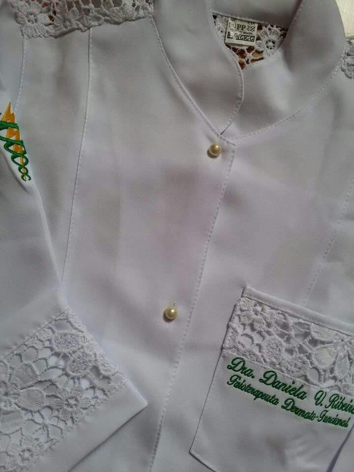 Jaleco Rendado  #labcoat #Uniforms #Fashion #Style #Nurse #Medical #Apparel #rendasetramas