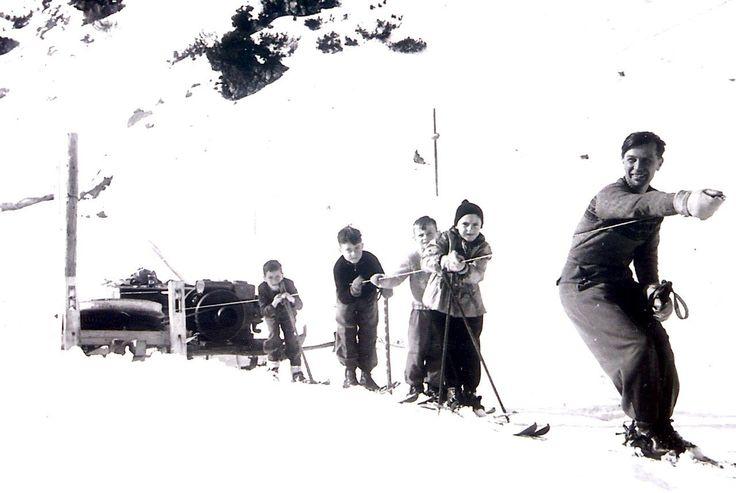 Erster Seekarhauslift! Oberlehrer Oberhummer mit den Obertauern-Schulkindern im Jahr 1948!
